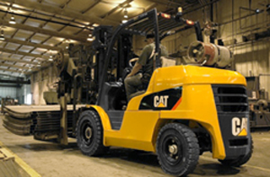 <p>The new Cat Lift Trucks internal combustion pneumatic tire series was particularly designed for use in the lumber and brick/block industries, as well as for stevedoring and other heavy-duty lifting. Pictured here, the Cat lift truck P10000 transports metal sheets at the Columbian TecTank warehouse in Parsons, Kansas.</p>
