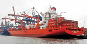 <p>In the first half of 2012, Port of Hamburg reported a total throughput of 65.8 million tons, up 2.7 percent.</p>