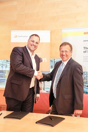 <p>President of SSI Schaefer Graz Rainer Buchmann with vice president of CareFusion | Rowa Dirk Wingenter in Graz/Austria.</p>