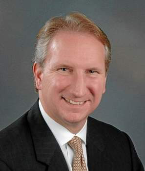 <p>Gene Seroka, top executive at American Presidents Lines</p>