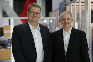 <p>from left: Markus Schmidt, Senior Vice President WDS Americas, and Michael Felbinger, Vice President Project Implementation/General Manager PAS.<br /></p>